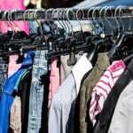 Nadmiar niepotrzebnych ubrań – co z nimi zrobić?